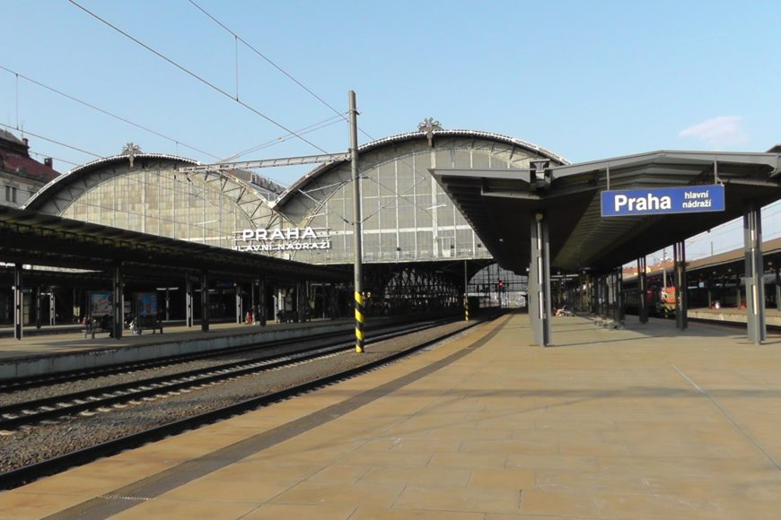 PRAGUE BUS &  TRAIN TRANSFERS